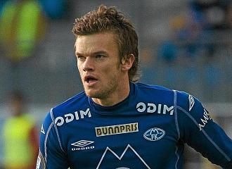 Rindaroy durante un partido con el Molde.