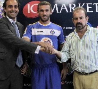 �ngel Torres, con Ibrahim Kas y el director general de IG Markets, Fouad Bajjali