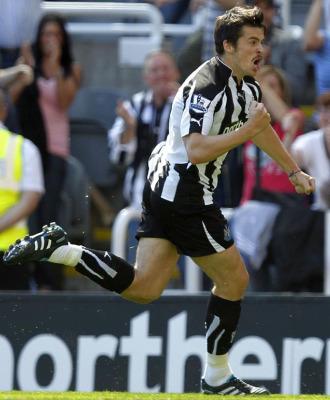 Joey Barton celebra su gol ante el Aston Villa.