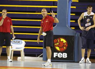 Sergio Scariolo da instrucciones durante una sesi�n de entrenamiento.