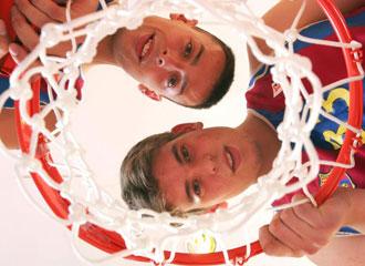 Unos jovenc�smos Jordi Trias y Marc Gasol