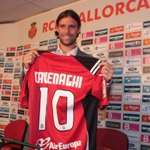 Cavenaghi, durante su presentación como nuevo jugador del Mallorca.
