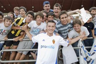 Pinter, durante su presentaci�n como nuevo jugador del Real Zaragoza.