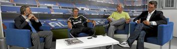 Mourinho junto a Eduardo Inda, Luis F. Rojo y Miguel Serrano