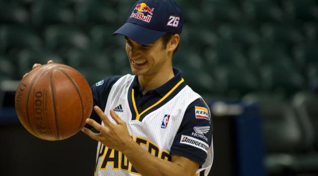Dani Pedrosa, durante el acto con los Pacers.