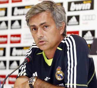 Mourinho, durante la rueda de prensa en Valdebebas.