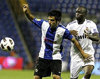 Del Olmo, con Lass Diarra, en un partido de esta pretemporada