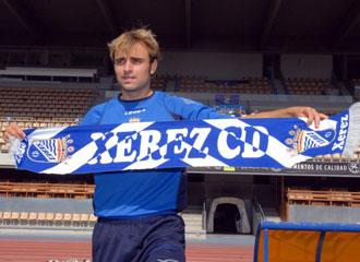 Hector Font es presentado como nuevo jugador del Xerez