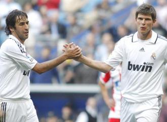 Ra�l y Huntelaar, durante la etapa en el Madrid.
