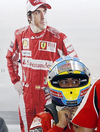 Fernando Alonso, en el box de Ferrari del GP de B�lgica.