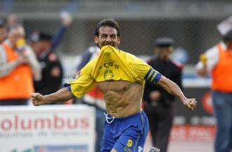 Marcos M�rquez celebrando un tanto contra el Tenerife