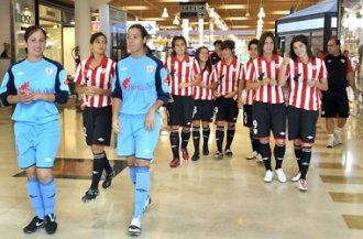 El Athletic de Bilbao, durante su presentaci�n oficial.