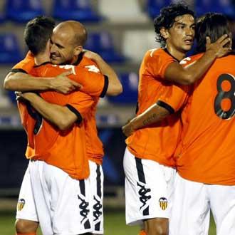Los valencianistas celebran el gol de la victoria