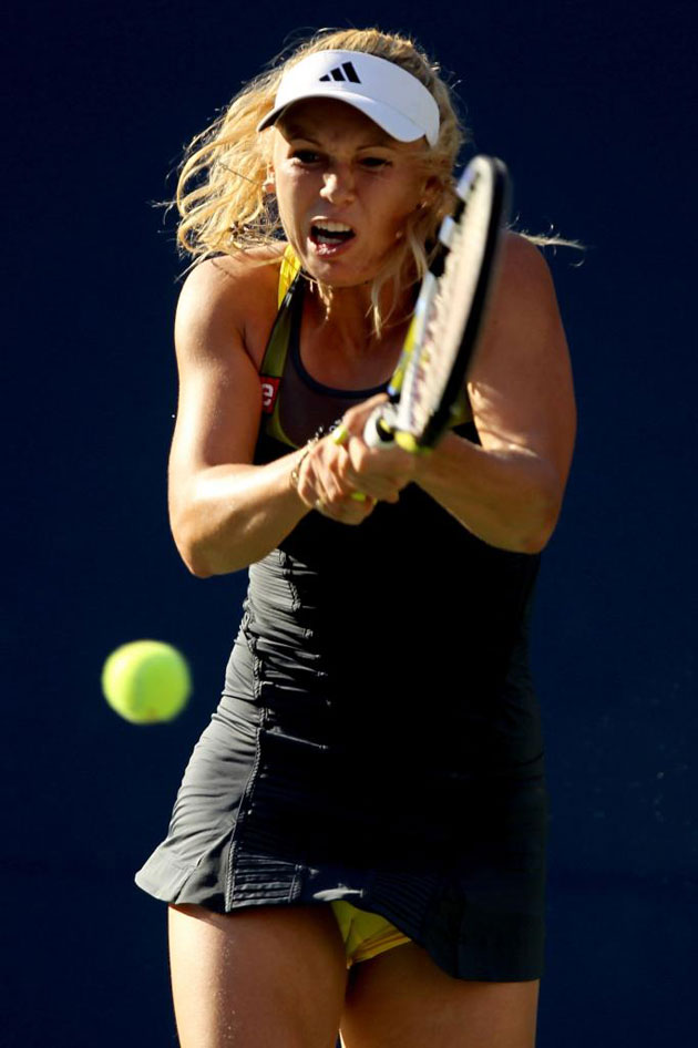 Caroline Wozniacki durante su partido contra Maria Sharapova