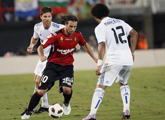 Cavenaghi en la primera jornada ante el Madrid