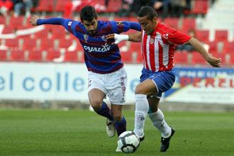 El Huesca acude a Girona con la idea de resarcirse