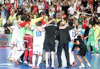 Los jugadores del Lobelle celebran la victoria