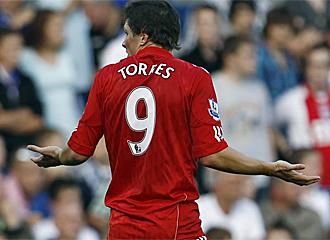 Fernando Torres se lamenta durante el �ltimo partido con el Liverpool.