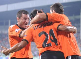 El Valencia celebra uno de sus goles