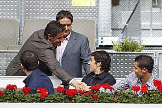 Michel saluda a Cristiano Ronaldo, en presencia de Ra�l, durante el pasado Madrid Open de Tenis
