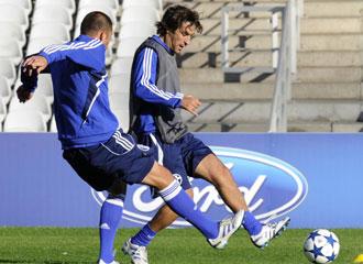 Ra�l entrenando con el Schalke.