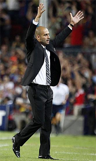 Guardiola celebra uno de los goles de su equipo frente al Panathinaikos.