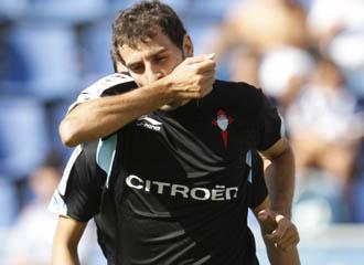 Trashorras celebra un gol en el partido que el Celta gan� al Tenerife en el Heleodoro Rodriguez L�pez.