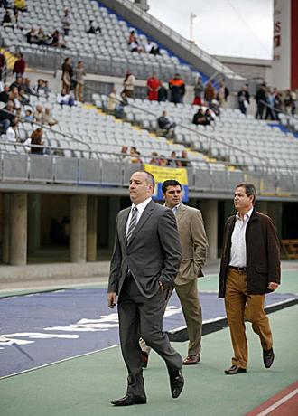 Miguel �ngel Ram�rez, en el Estadio Gran Canaria de Las Palmas... al que se plantea no volver y quedarse en Estados Unidos -l�gicamente bromeando-