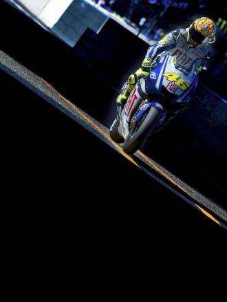 Valentino Rossi, a los mandos de su todav�a Yamaha M1