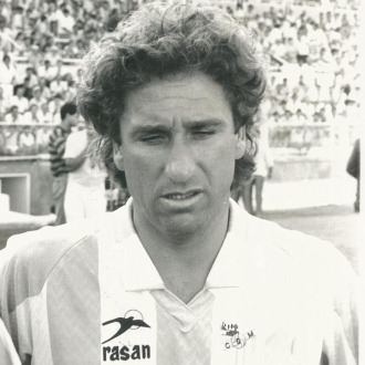 Esteban Vigo, con la camiseta del club malacitano