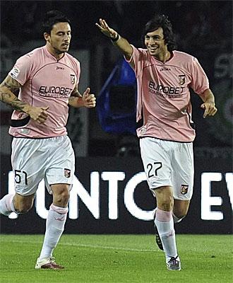 El argentino Pastore celebra su gol ante la Juve