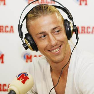 Guti atiende a Radio MARCA en mayo de 2008