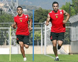 Ratinho y Joao Victor, en un entrenamiento del Mallorca