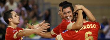 Los jugadores de ElPozo celebran un gol