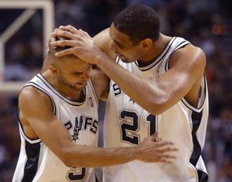 Parker y Tim Duncan en una foto de archivo (2004)