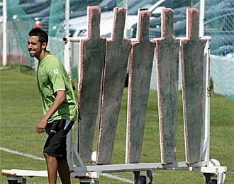 Juande, en un entrenamiento del Betis