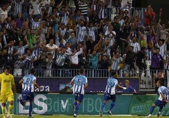 La Rosaleda celebra el golazo de Eliseu ante el Villarreal