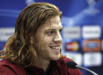 El defensa Ansaldi prefiere que juegue Messi