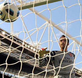Almunia despu�s de recibir uno de los goles contra el West Brom