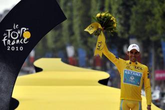 Contador, en el podio del Tour 2010