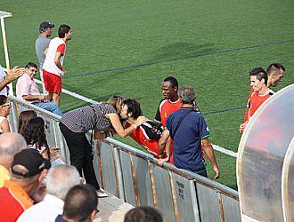 Rafa Moreno besa a su novia tras marcar su �ltimo gol con la camiseta del Pulpile�o