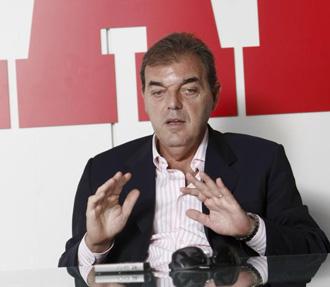 Juan Carlos S�nchez en la redacci�n de MARCA