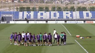 El Real Madrid durante una sesi�n en Valdebebas