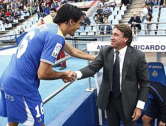 Esteban Vigo saluda a Pedro R�os. Ambos coincidieron en el Xerez