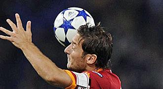 Totti volvi� al once titular de la Roma.