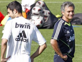 Albiol y Mourinho, en un entrenamiento