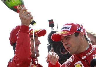 Alonso y Massa, en el podio de Monza esta temporada.