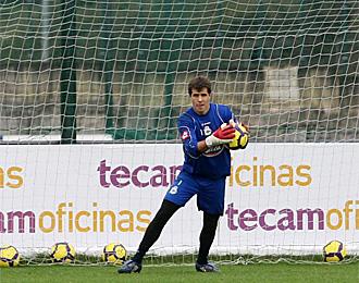 Aranzubia, en un entrenamiento con el Deportivo