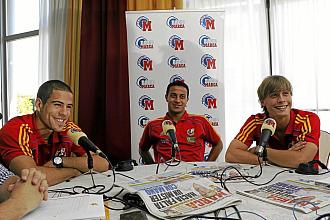 Dom�nguez, Thiago y Canales, durante la tertulia en Radio MARCA