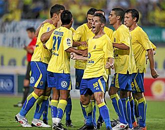 Los jugadores de Las Palmas celebran un gol logrado esta temporada